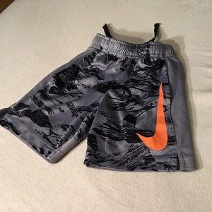 NIKE Dri-fit shorts boys 4/XS